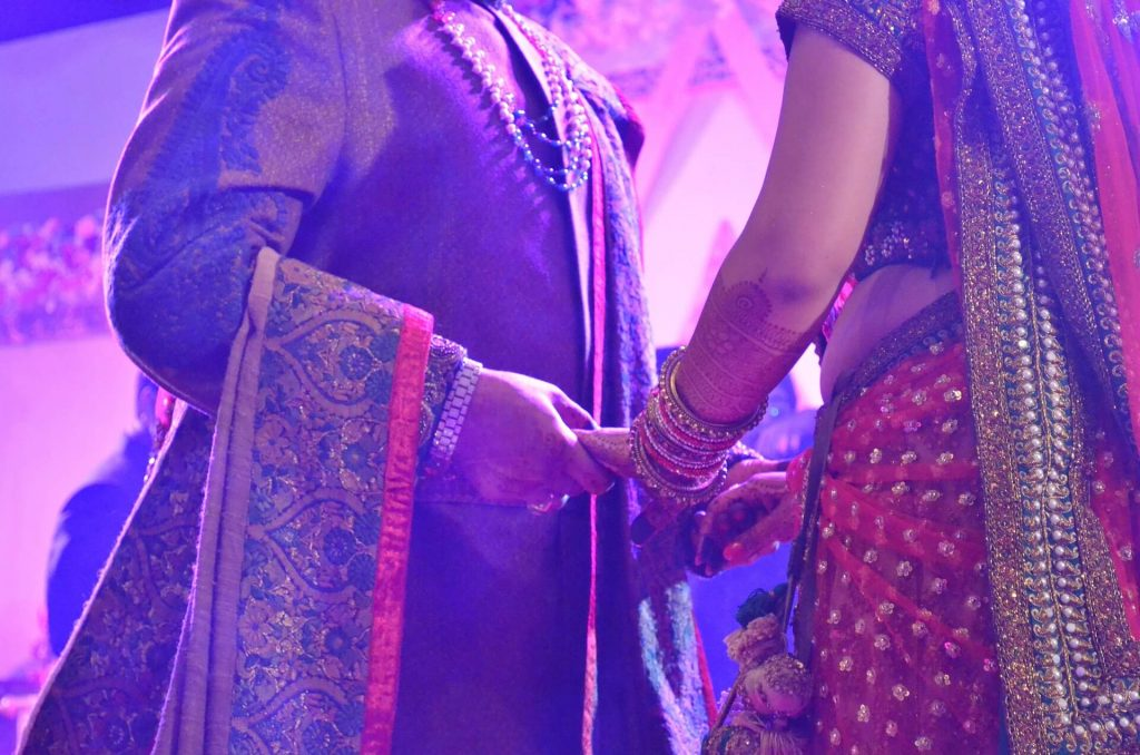 hindu wedding traditions : what to wear to a hindu wedding